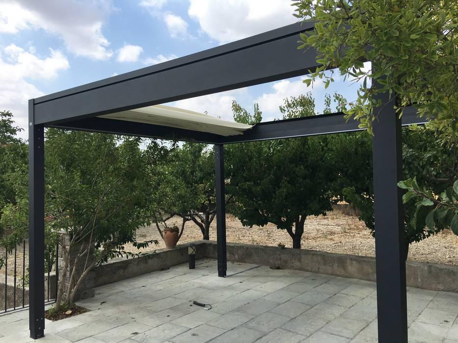 Pergola ISOLA 2 Tendals Egara Jardines de estilo moderno