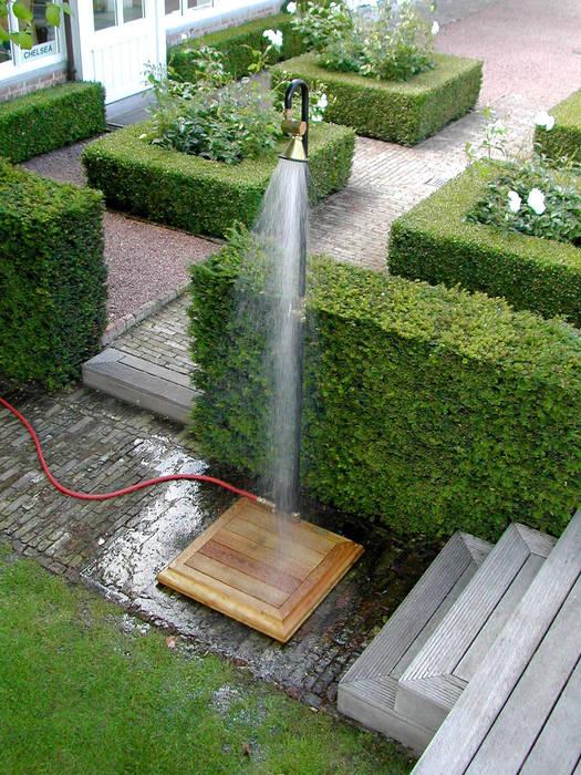 Show´R Gartendusche:  Terrasse von Petit Pont