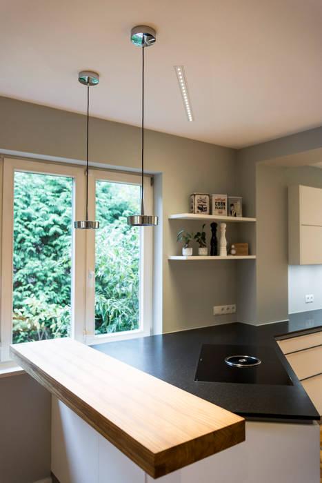 Küchenbeleuchtung: moderne Küche von LichtJa - Licht und Mehr GmbH