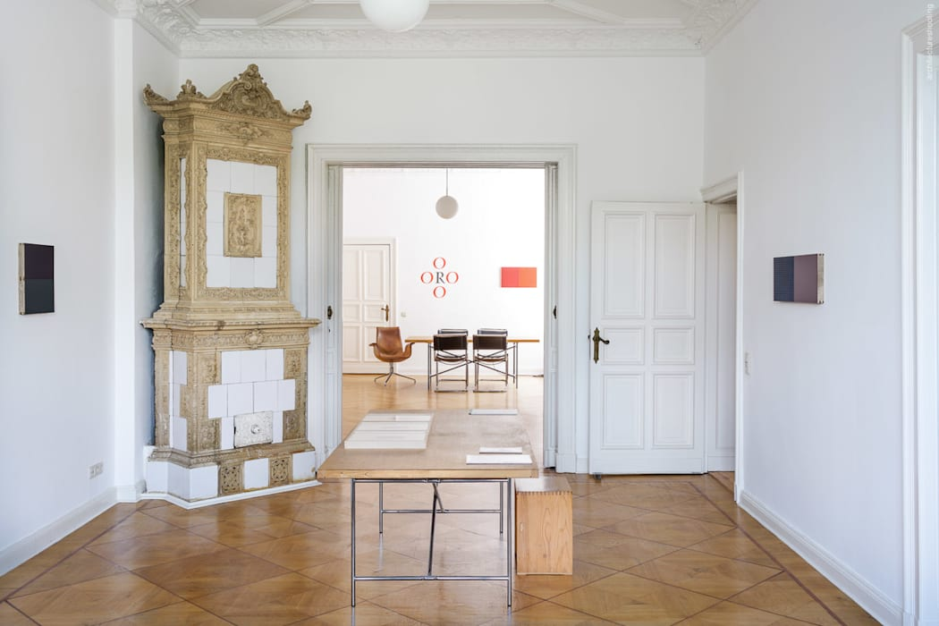 Altbauwohnung Eines Antiquars Und Galeristen In Berlin Wohnzimmer