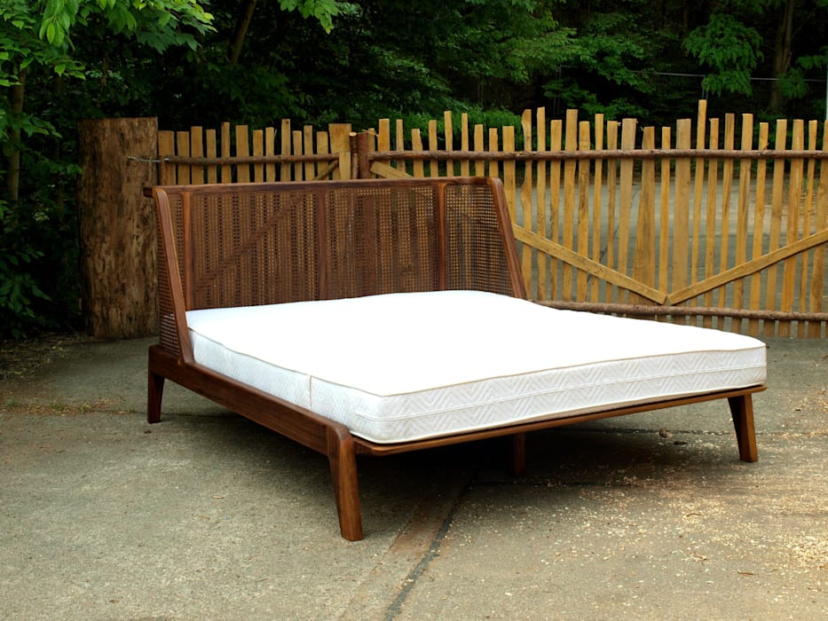 Bett Mit Einem Kopfteil Aus Rattan Schlafzimmer Von Holzarbeiten