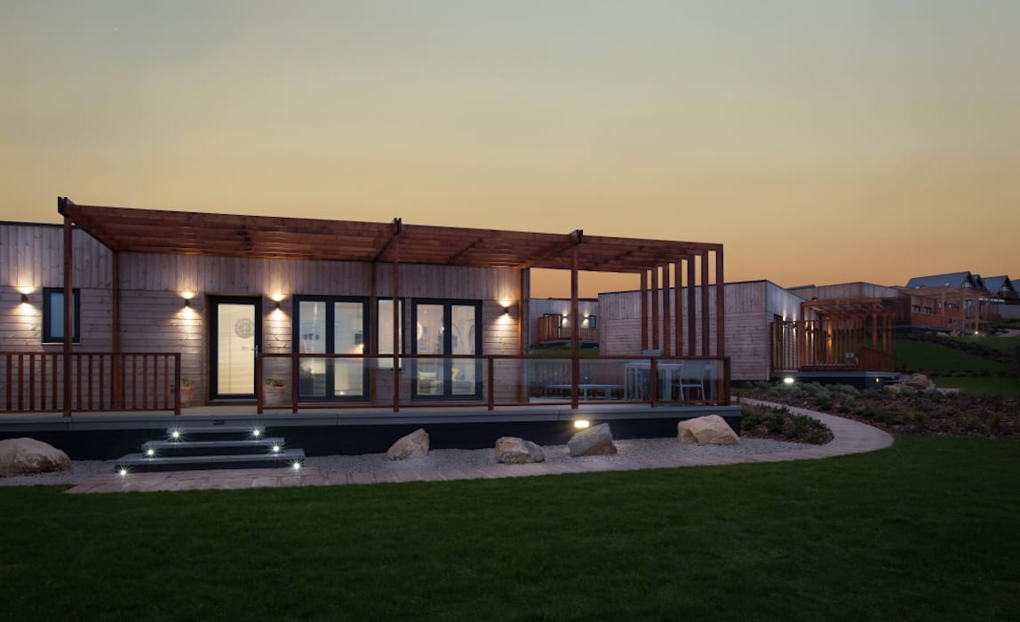 Turn Key High Specification Lodge:  Detached home by Building With Frames, Minimalist Wood Wood effect