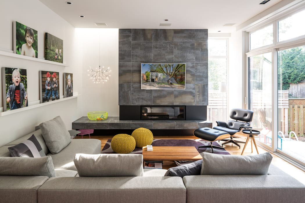Avenue Road Residence:  Living room by Flynn Architect