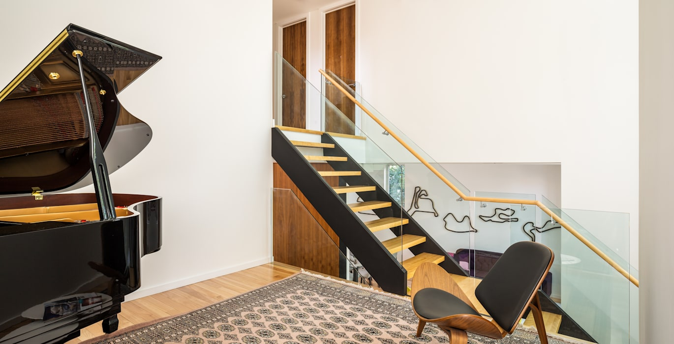 Avenue Road Residence:  Stairs by Flynn Architect ,