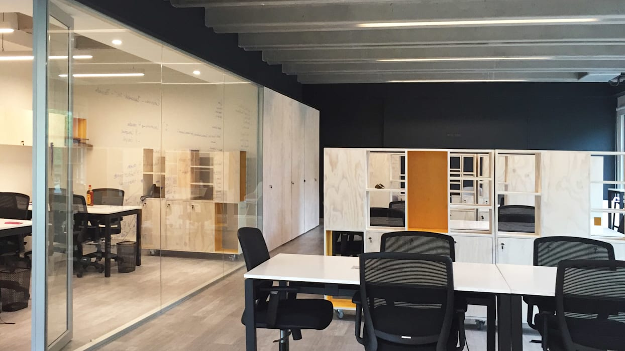Offices & stores by 2712 / asociados, Minimalist Wood Wood effect