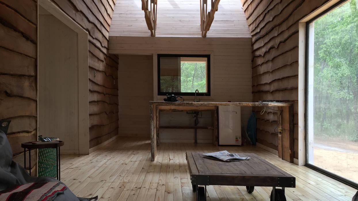 Cabaña de las Chimeneas de Luz 2712 / asociados Comedores de estilo rústico