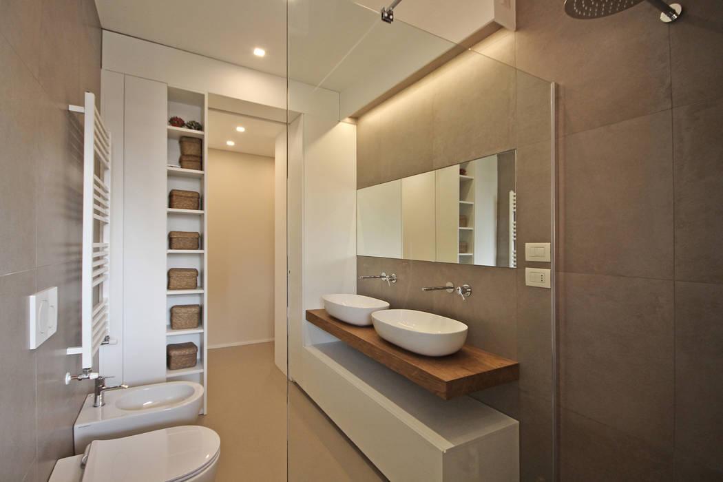 Arredo bagno legno con specchiera completo a frosinone kijiji
