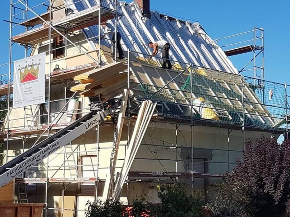 Dachsanierung in Hiddenhausen von Dachdeckermeisterbetrieb Dirk Lange Klassisch Ziegel