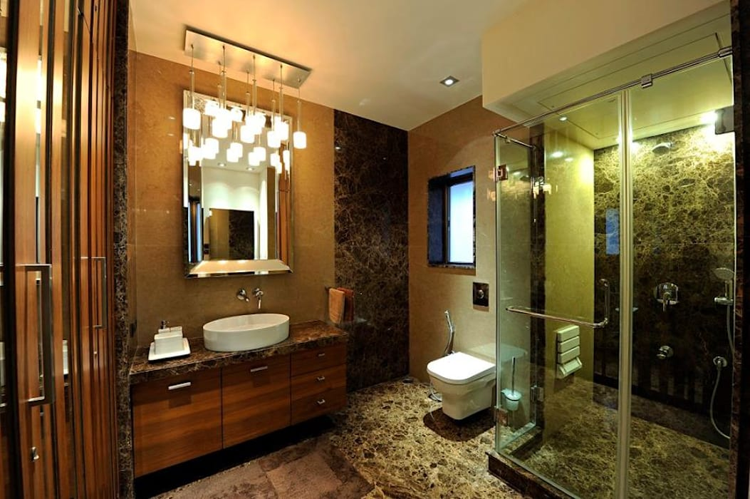 Neanpeanse Road, Mumbai:  Bathroom by DesignTechSolutions,Modern
