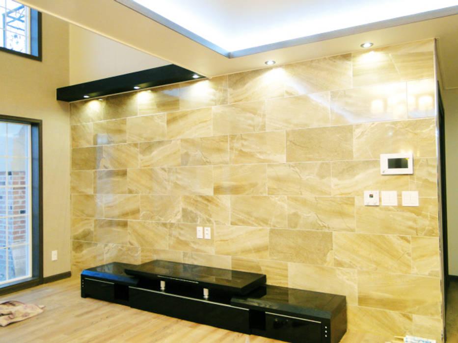 Moderne Wohnzimmer von W-HOUSE Modern Marmor