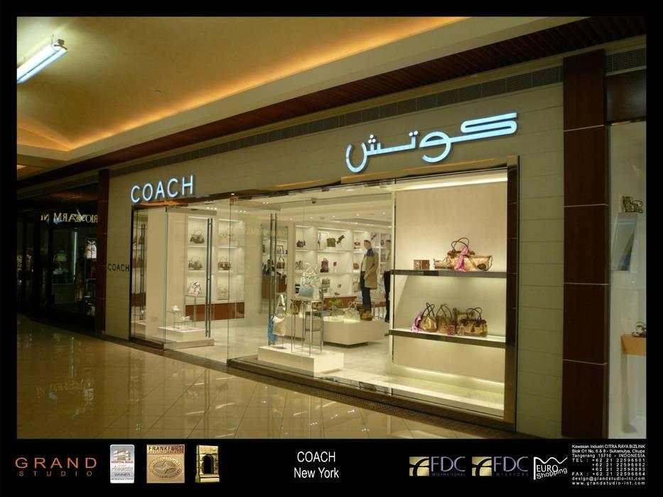 Centros comerciales de estilo  de sony architect studio