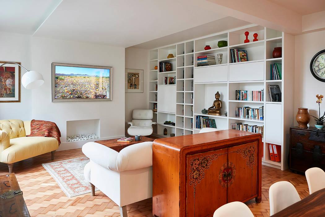 Highgate Home Refurbishment 모던스타일 거실 by Patience Designs Studio Ltd 모던