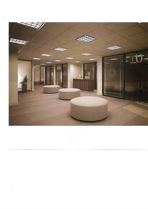 aulas universidad: Estudios y oficinas de estilo moderno por 253 ARQUITECTURA