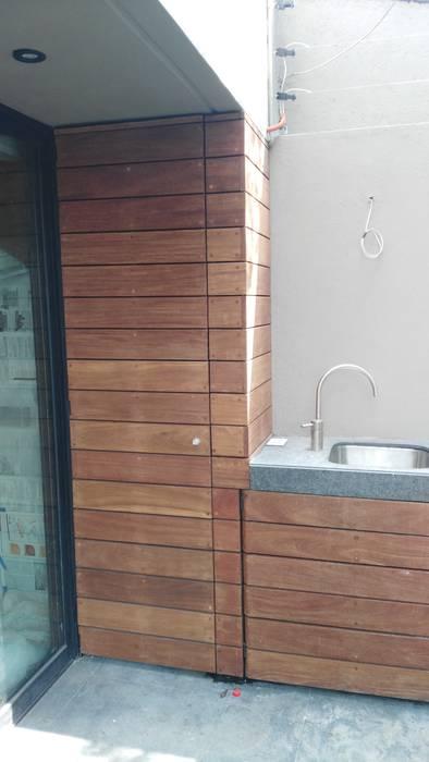 Asador Casas modernas de Onice Pisos y Decoracion Moderno Compuestos de madera y plástico
