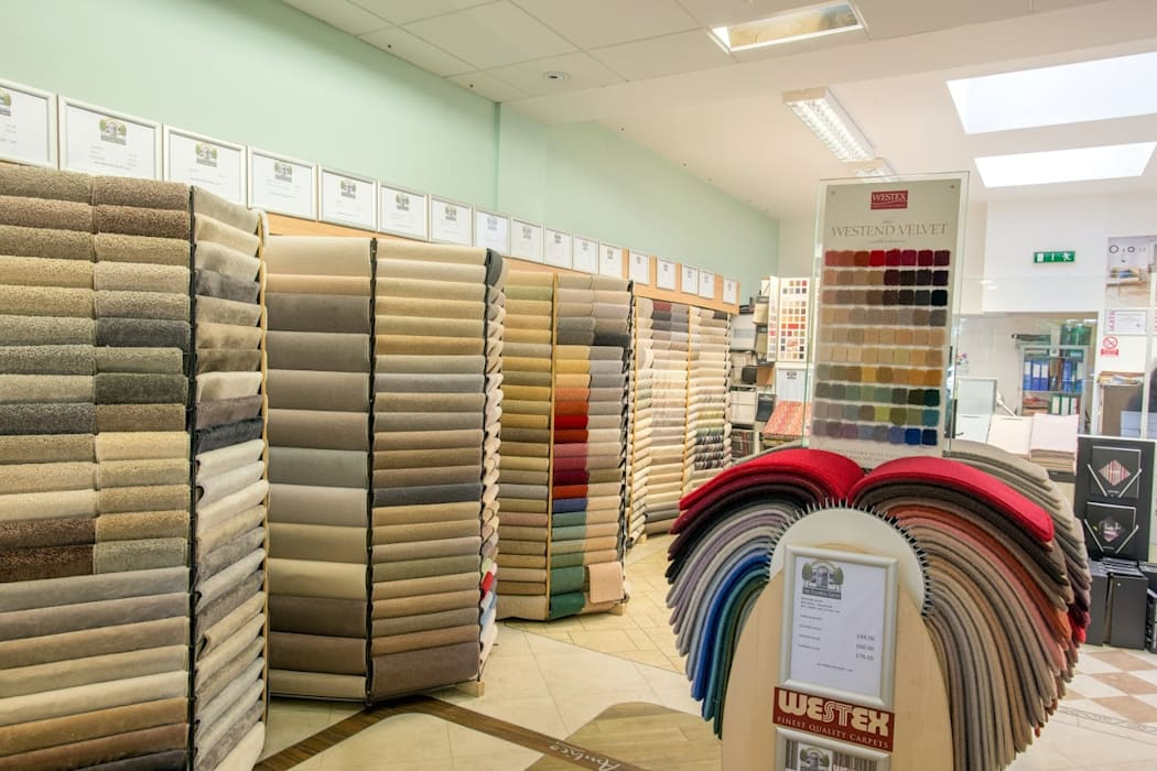 Hampstead Flooring Showroom:  Offices & stores by The Flooring Group