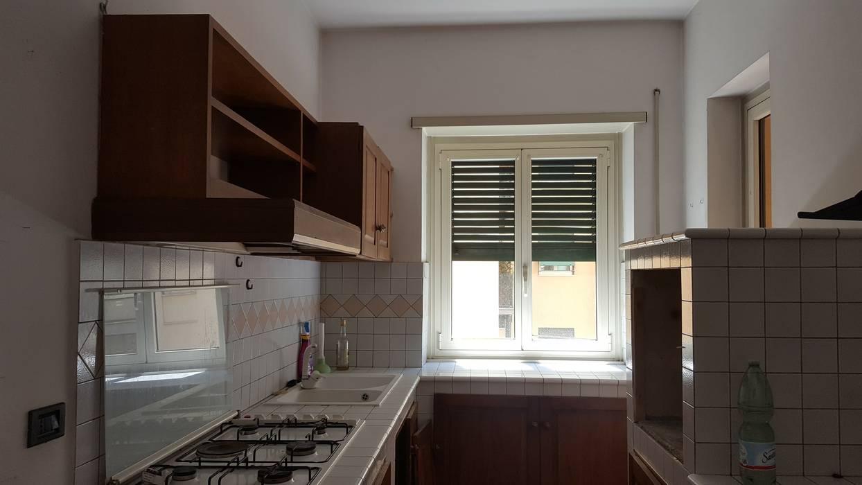 Ante operam - cucina.: Scale in stile  di simona rossetti