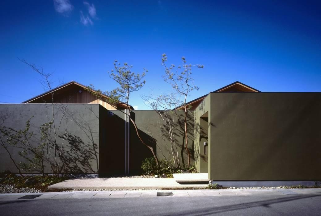 Rumah kayu oleh 吉川弥志設計工房, Eklektik