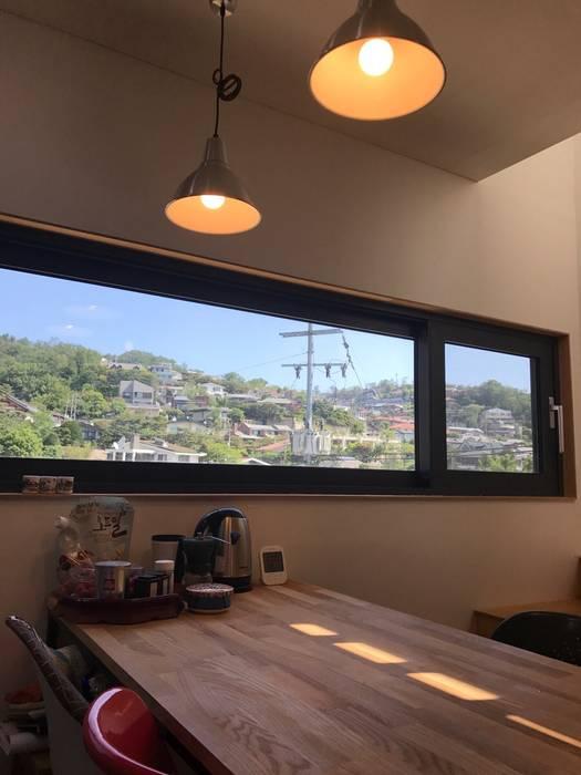 Moderne Fenster & Türen von GongGam Urban Architecture & Construction Modern