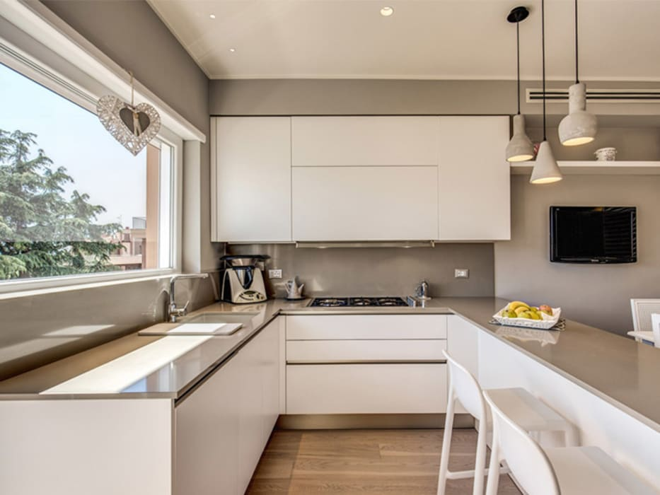Floors by MOB ARCHITECTS, Modern