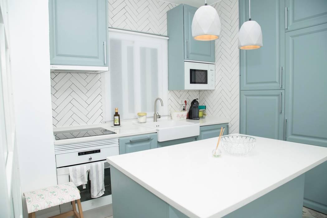 Modern kitchen by Remake lab Modern