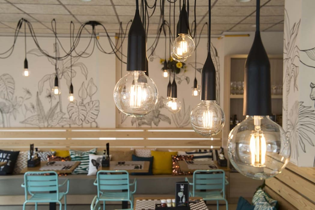Proyecto Bar-Cafetería Luxiform Iluminación Bares y clubs de estilo moderno