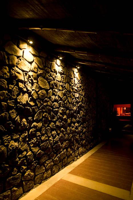 Cobertizos de estilo  por homify, Asiático Madera Acabado en madera