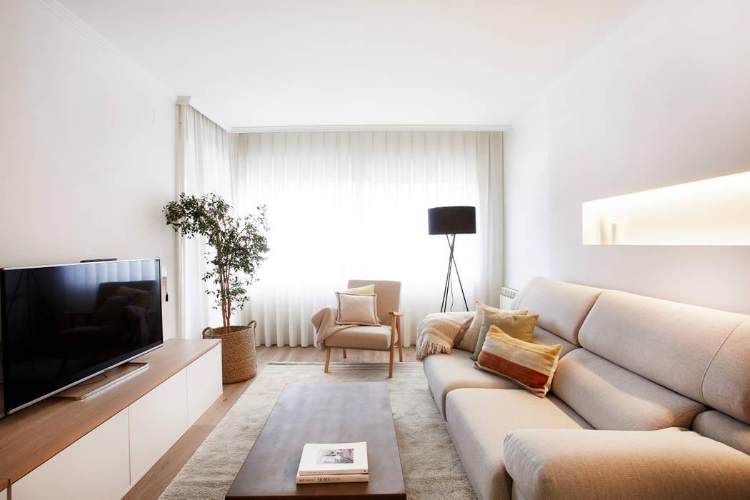 Sala de estar: Salones de estilo  de Laia Ubia Studio