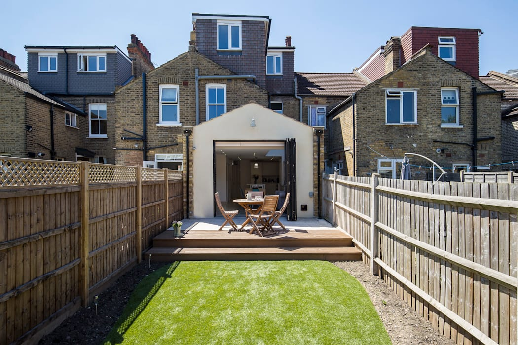 Victorian Terrace, Hither Green, Lewisham:  Houses by Model Projects Ltd, Classic
