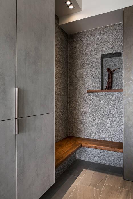 homify 經典風格的走廊,走廊和樓梯