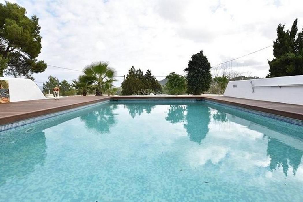 Rustic style house in Sant Josep De Sa Talaia:  Villas by CW Group - Luxury Villas Ibiza