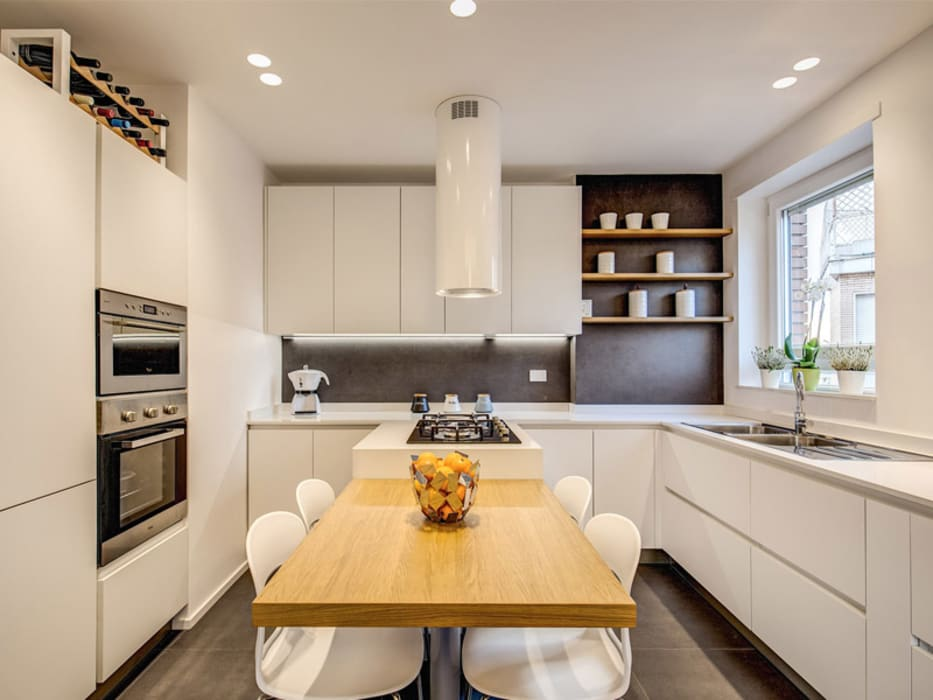 OJETTI: Cucina in stile in stile Moderno di MOB ARCHITECTS