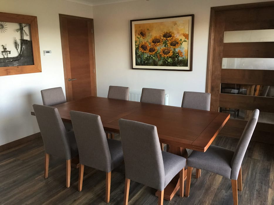 Столовая комната в стиле минимализм от Rocamadera Spa Минимализм