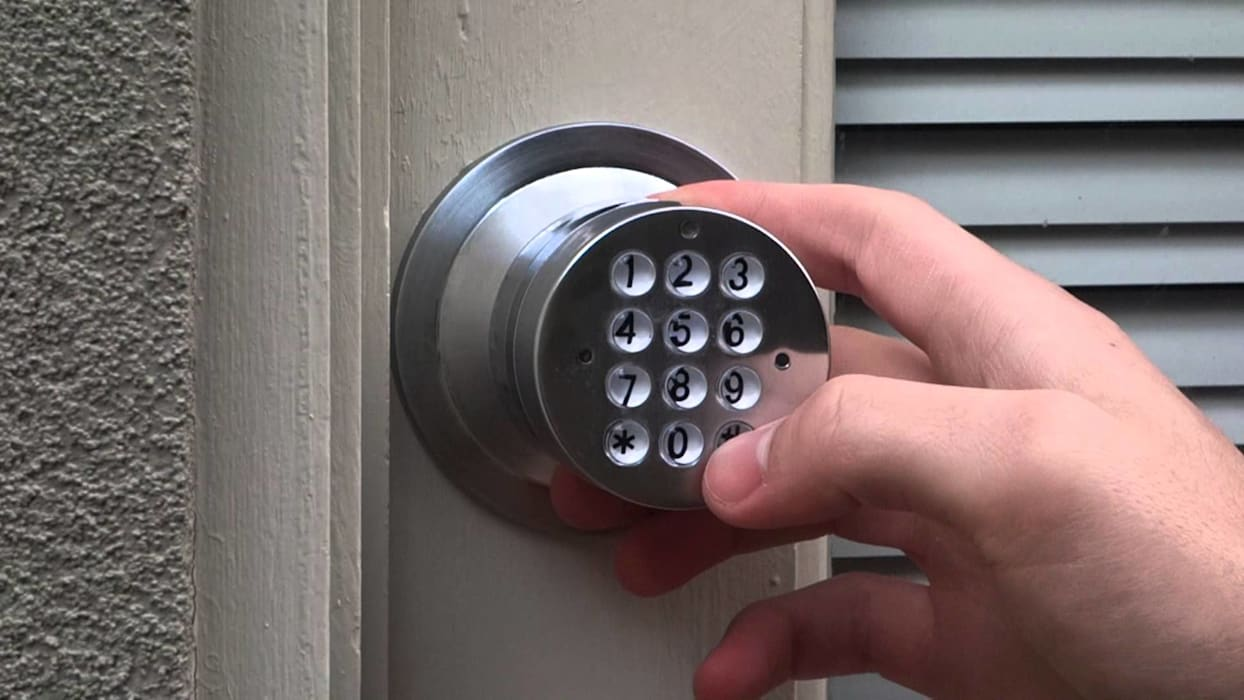 Keyless Door Locks Installation by Locksmith Roodepoort