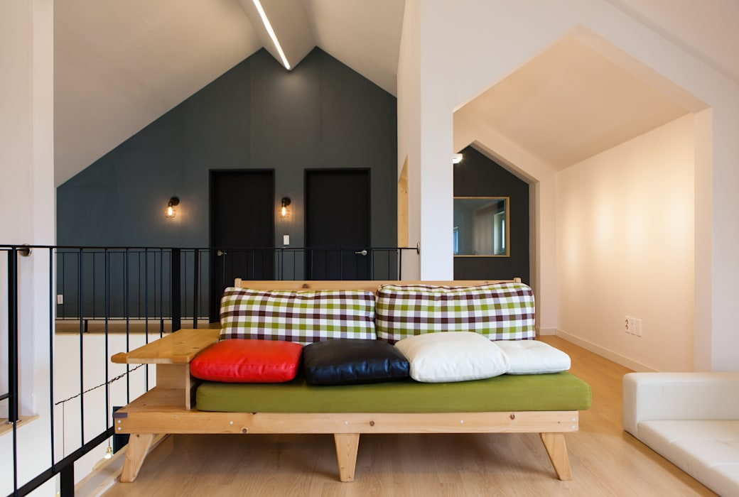 Ruang Keluarga oleh 이웃건축, Modern