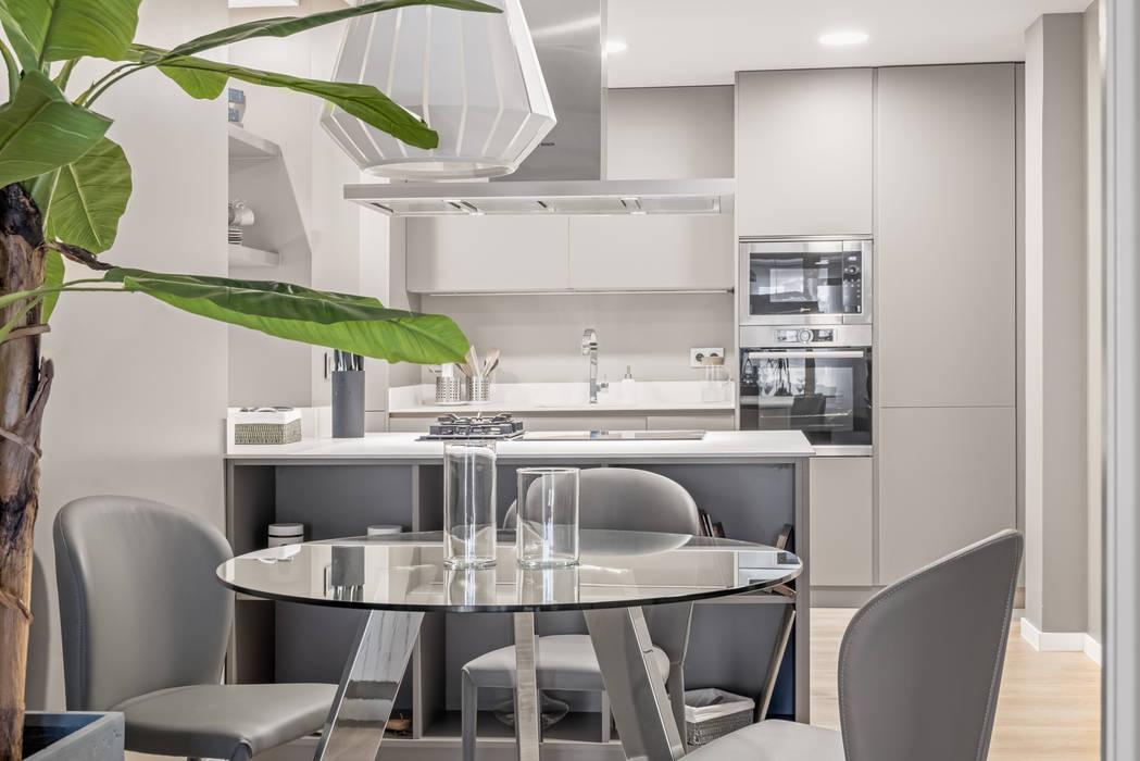 Sesión de fotos para la diseñadora de interior Cristina Salafranca: Cocinas de estilo  de Luzestudio Fotografía, Moderno