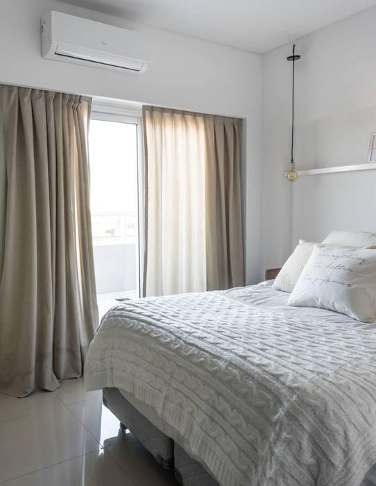 Obra Los Incas - Diseño Integral depto. 2 ambientes: Dormitorios de estilo  por Bhavana