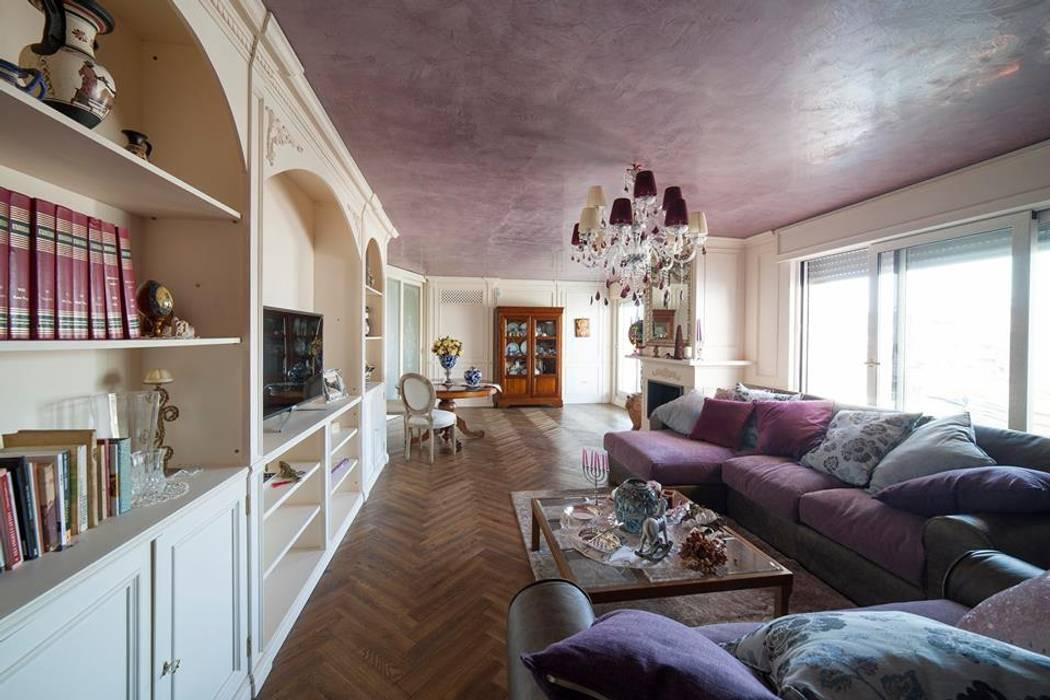 Attico a napoli: soggiorno in stile in stile classico di ...