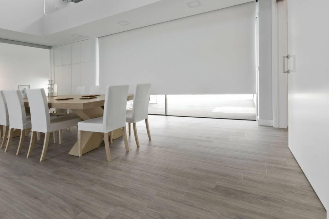 Estores enrollables en vivienda minimalista comedores de for Viviendas estilo minimalista