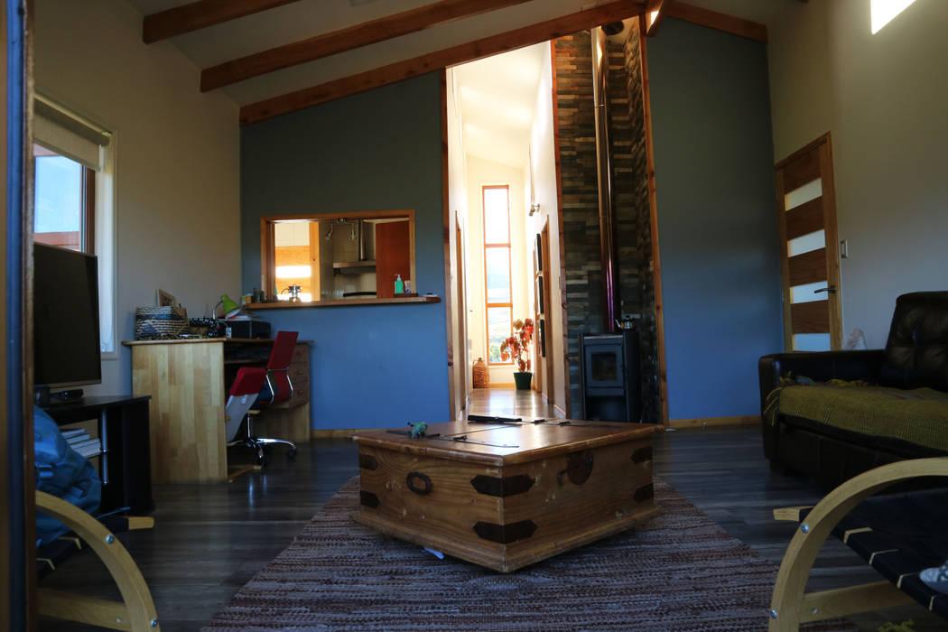 Casa Las Lomitas de Panguilemu: Livings de estilo  por casa rural