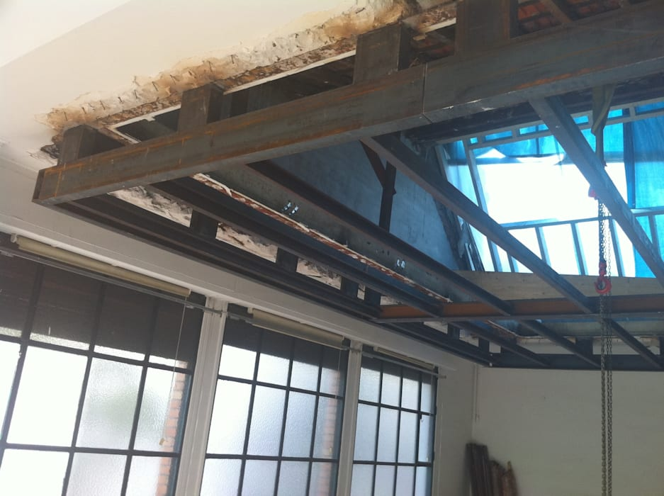 structure suspendue par Lab123 Minimaliste Fer / Acier