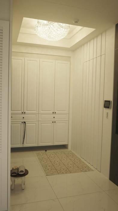 儲藏室:  客廳 by Gavin室內裝修設計
