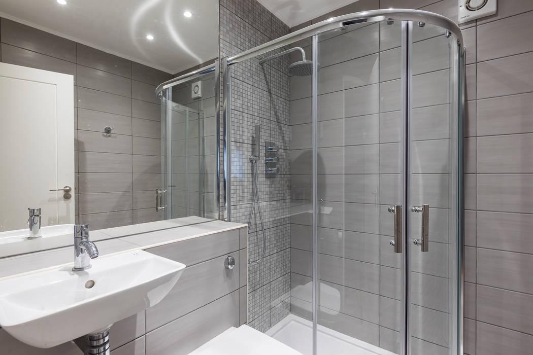 Croydon Whole House Renovation:  Bathroom by Model Projects Ltd