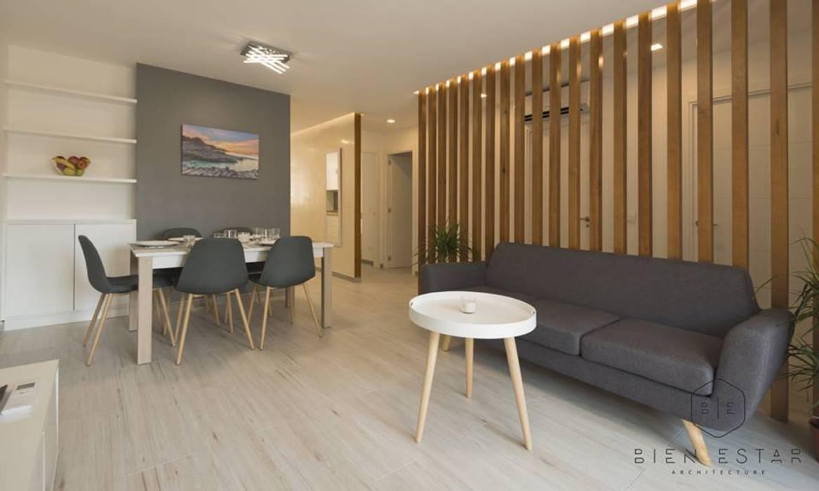 Salon: Suelos de estilo  de Bien Estar Architecture