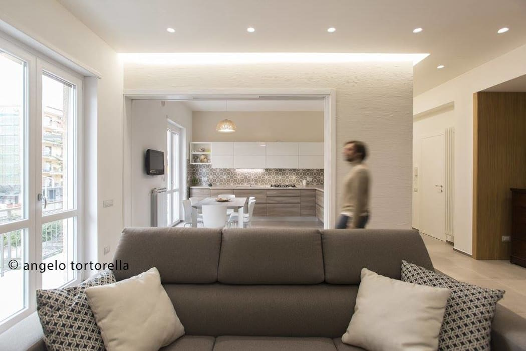 salotto living: Sala da pranzo in stile  di Casaburi & Memoli Architetti