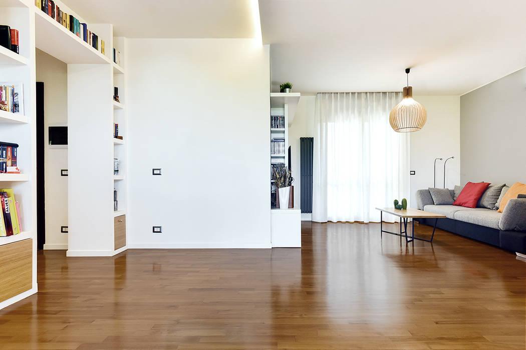 Soggiorno/living | libreria a ponte/mobile tv: soggiorno in ...