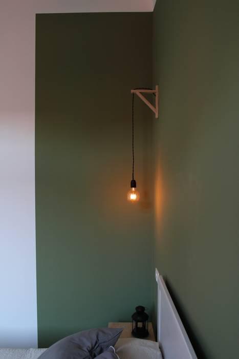 Bilocale low cost, hight color: camera da letto in stile di ...