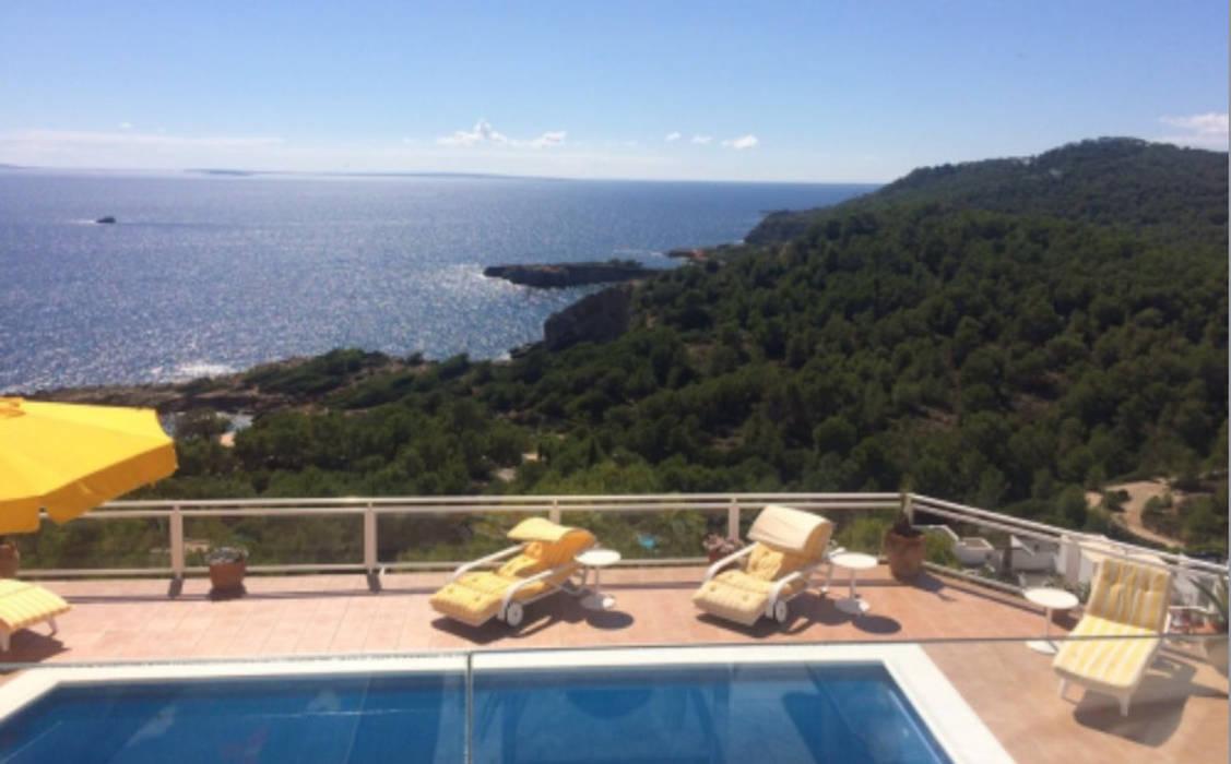 by CW Group - Luxury Villas Ibiza 모던 콘크리트