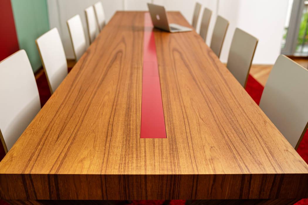Schulungs-Tisch Detail Praxis Dr. Krüger:  Praxen von raum.haus.form