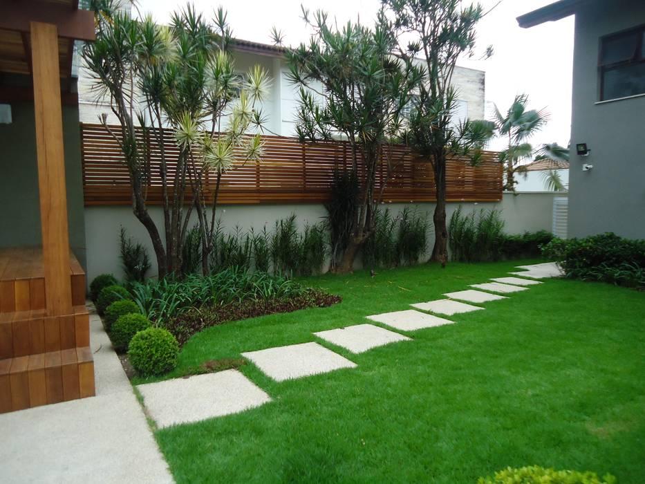 Camila Tiveron Arquitetura 庭院