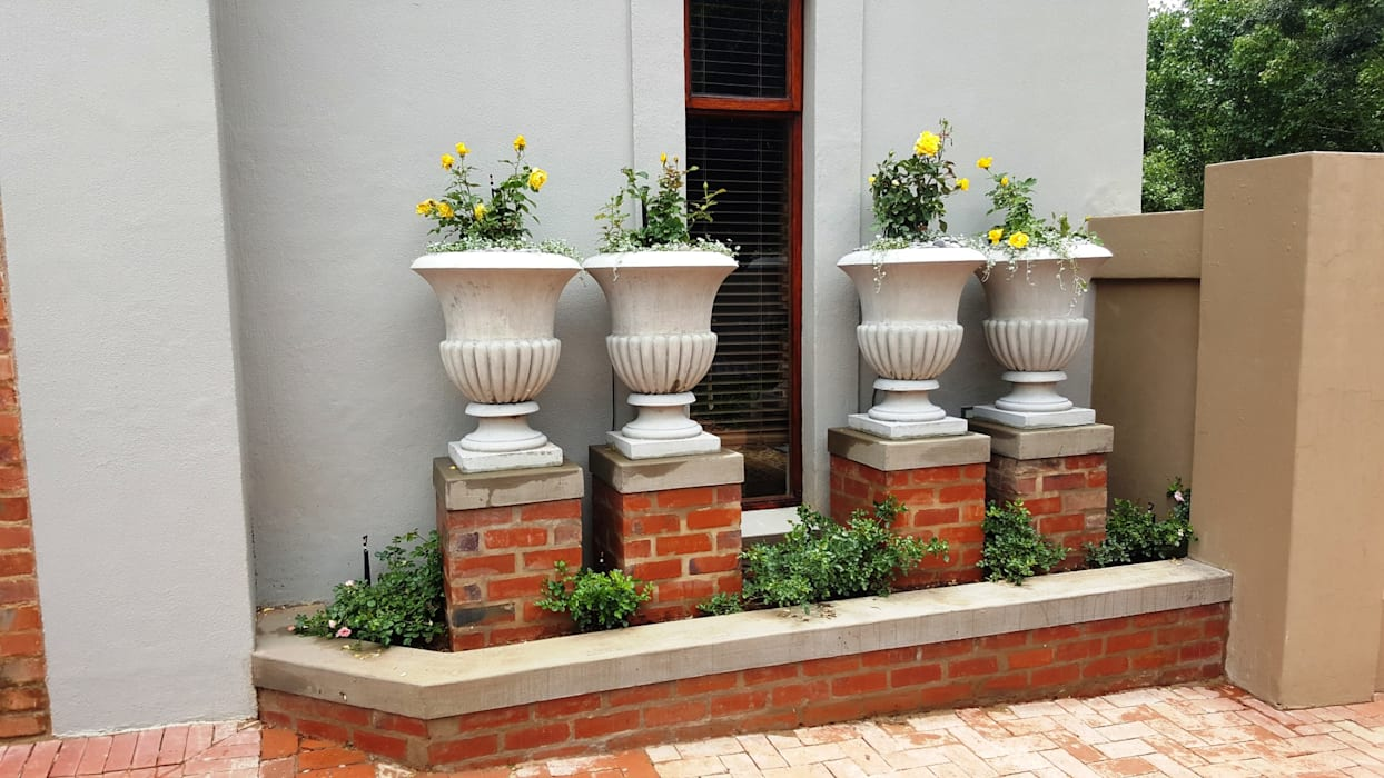 Waterkloof heights Classic style garden by Gorgeous Gardens Classic